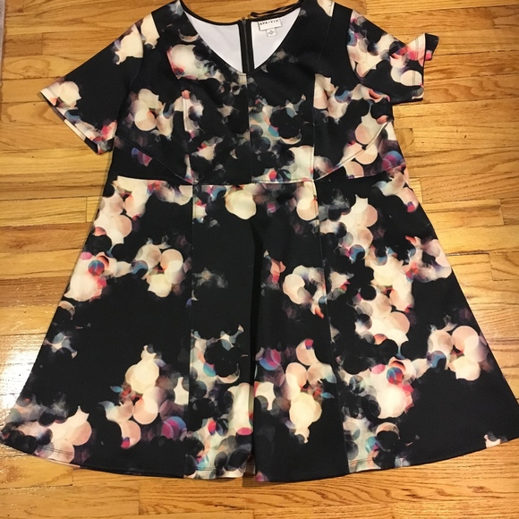 Ava & Viv Dresses & Skirts - Ava and Viv Camera Flash Skater Dress
